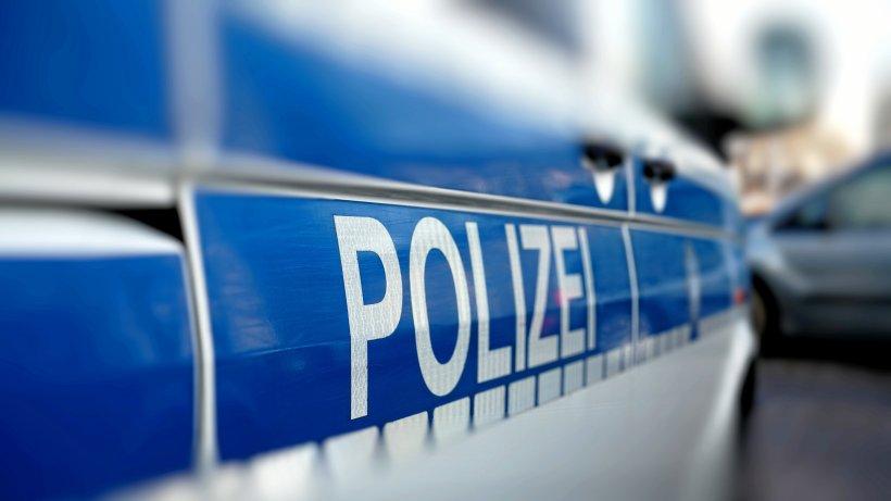 A7: Norweger vergisst Ehefrau auf Parkplatz – Polizei hilft